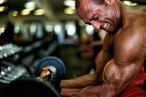 برنامه تمرینی جلو بازو با بهترین نتیجه