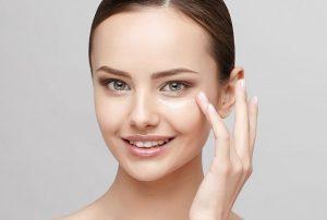 درمان سریع تیرگی زیر چشم با روغن کرچک