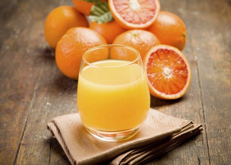 ۱۵ علائم کمبود ویتامین C و راه حل آن ها