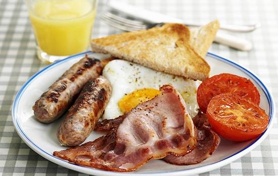 صبحانه انگلیسی ؛ طرز تهیه کامل با جدول ارزش غذایی