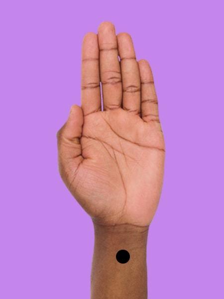 طب فشاری: ۵ نقطه از بدن که با فشار آن ها به خواب می روید