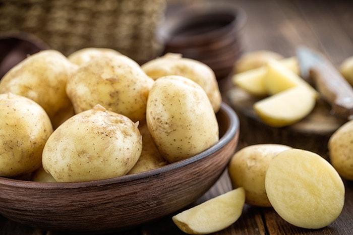 ۱۰ ماسک سیب زمینی برای درخشندگی، لطافت و زیبایی پوست