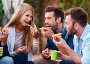 بعد از عمل بینی چه بخوریم؟ راهنمای کامل تغذیه پس از جراحی بینی