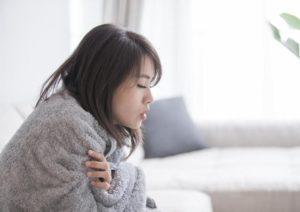۱۲ دلیل علمی برای اینکه بدنتان همیشه سرد است