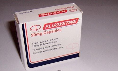 قرص فلوکستین چیست؟ موارد مصرف، عوارض جانبی، میزان مصرف و هشدارها