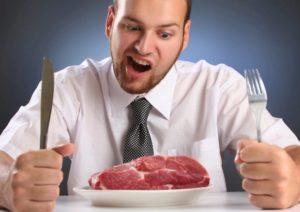 ۱۴ دلیل برای اینکه همیشه احساس گرسنگی می کنید