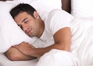 ۷ دلیل بی خوابی در شب که نباید آن ها را نادیده بگیرید
