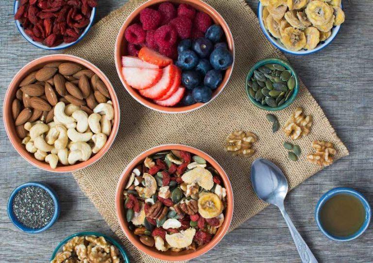 کاهش التهاب با ۱۳ ماده غذایی