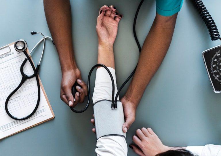 فشار خون طبیعی چیست و چگونه باید آن را اندازه گیری کنیم؟