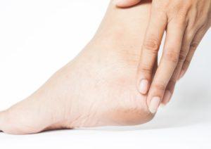 درمان ترک کف پا در خانه