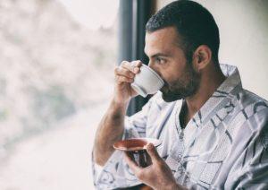 نوشیدن چای می تواند خطر سکته قلبی و مغزی را کاهش دهد