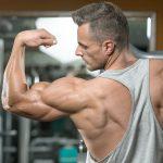 چگونه به صورت طبیعی عضله سازی کنیم؟ (راهنمای گام به گام)