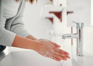 چرا برای مقابله با بیماری باید دست های خود را بشوییم؟