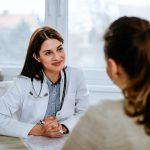 بیماری AUB یا خونریزی غیر طبیعی رحم؛ علائم، دلایل و درمان