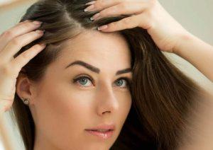 ۱۱ علت ریزش مو در زنان