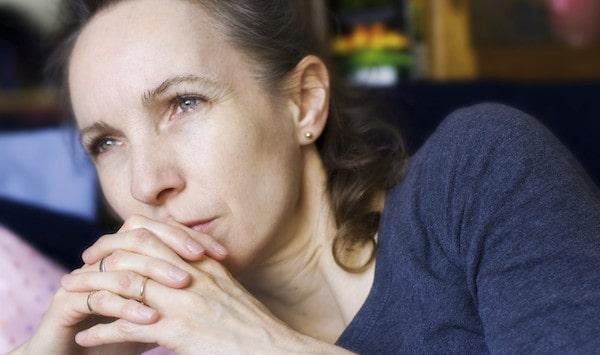 بحران میانسالی چیست؟ علائم و علل آن چه هستند؟
