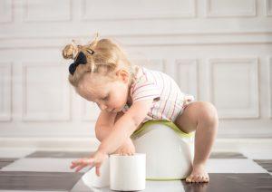 علائم یبوست در کودکان