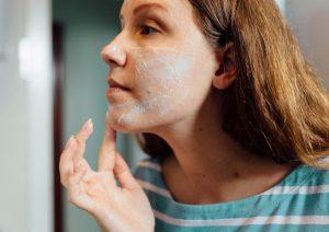 بهترین روغن های طبیعی برای پاکسازی پوست