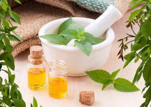 ۶ داروی گیاهی ساده و شگفت انگیز برای مراقبت از پوست