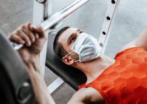 آیا می توان با ماسک ورزش کرد؟ تحقیقات چه می گویند؟