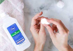 ۹ روش ساده برای پاک کردن لاک ناخن