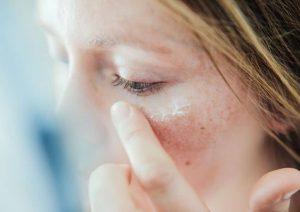 خشکی پوست در بارداری؛ دلایل، درمان و پیشگیری
