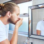 علت بوی بد دهان در صبح ها چیست و چگونه درمان می شود؟